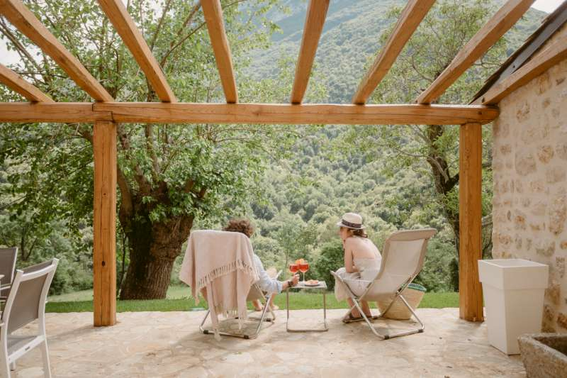 Lake Relais Gargnano - Pergolato esterno per pranzi, cene e momenti di relax
