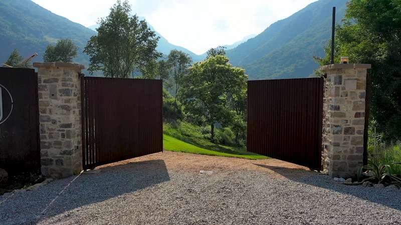 Lake Relais Gargnano - Cancello d'ingresso al parco privato di 18 ettari che circonda la villa
