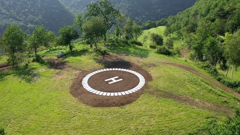 Villa vacanze lago di Garda Lake Relais Gargnano - Eliporto privato per atterraggio elicotteri direttamente all'interno della tenuta