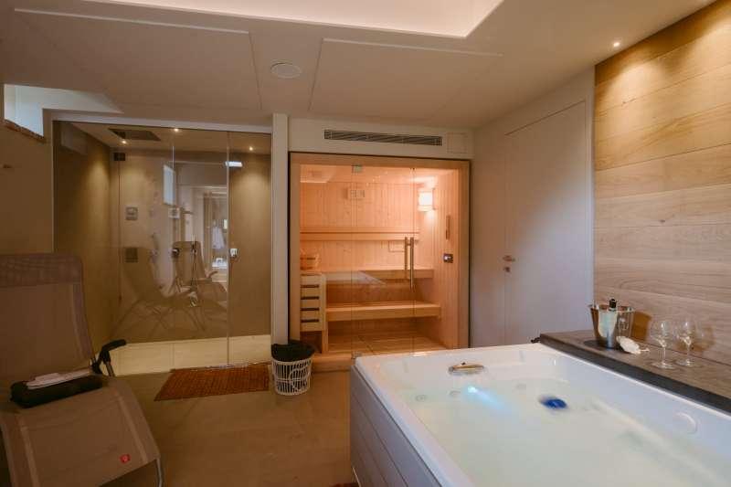 Villa vacanze lago di Garda Lake Relais Gargnano - Spa, sauna, idromassaggio e doccia emozionale